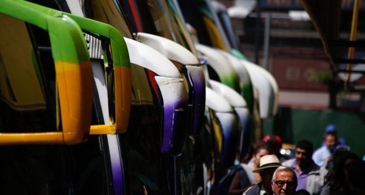 Formalizan a auxiliar de bus acusado de abuso y acoso sexual contra tres pasajeras en un viaje
