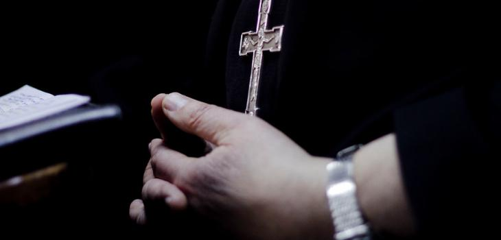 Incautan vehículos de sacerdote Tulio Soto en investigación por apropiación indebida en Puerto Montt