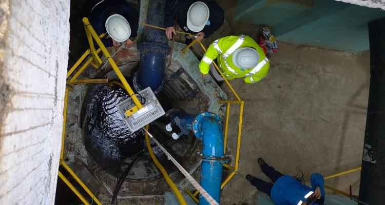 SISS por contaminación de agua en Osorno: Es un problema complejo sacar todo el petroleo derramado