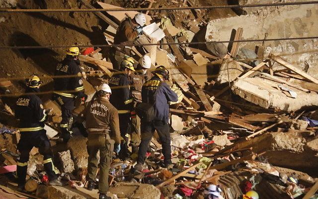 Familia que vivía en casa que se derrumbó en Valparaíso habría planeado cambiarse este viernes