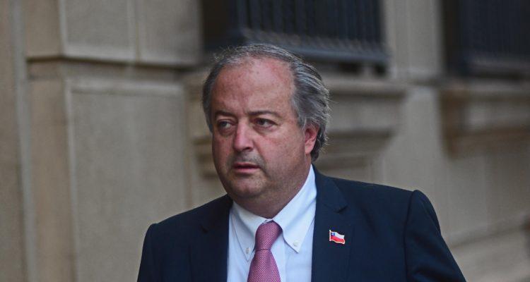 Ministro Monckeberg criticó realización de festival para apoyar proyecto de 40 horas