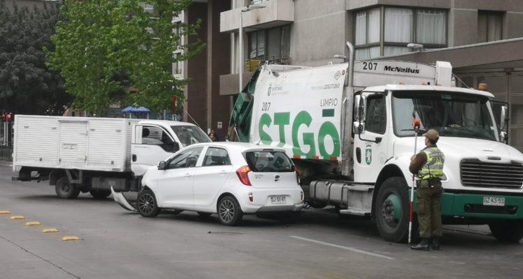Recolector de la basura resultó con una pierna amputada tras accidente múltiple en Santiago