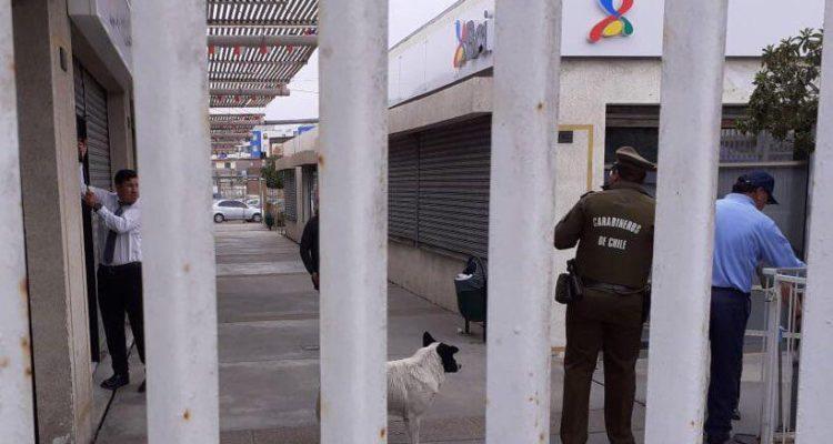 Vigilante privado se dispara con su arma de servicio en banco de Alto Hospicio