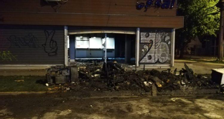 Essal lamenta destrucción de oficina por manifestantes y descarta corte de agua en Osorno