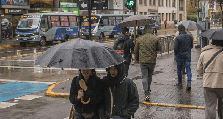 A sacar el paraguas: anuncian lluvia, tormentas eléctricas y granizos para este lunes en el Bío Bío