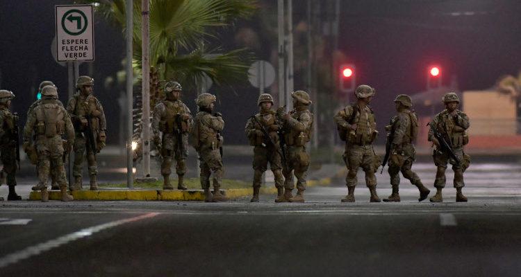 Gobierno decreta llamado a personal de reserva del Ejército ante crisis en Chile