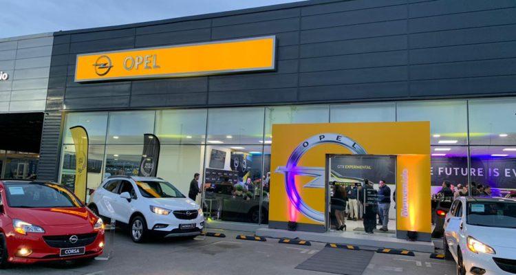 Empresa alemana de autos Opel abre su primera sala de ventas junto a Difor en la región de Los Lagos