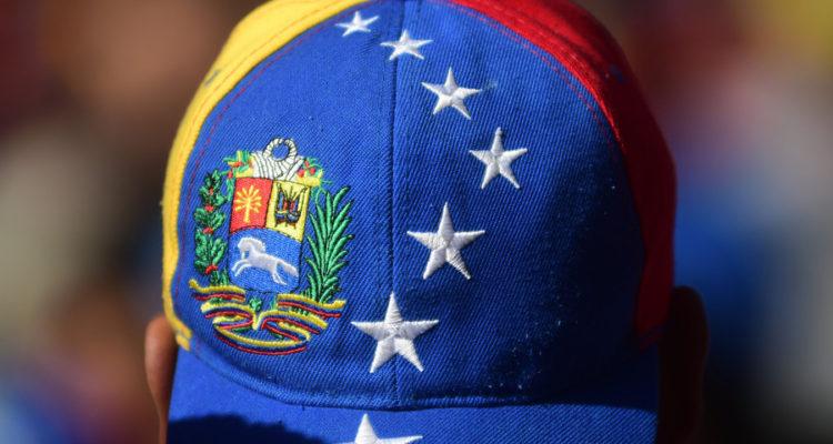 Tras casi 2 semanas: niños venezolanos varados en frontera con Bolivia logran reunirse con su madre