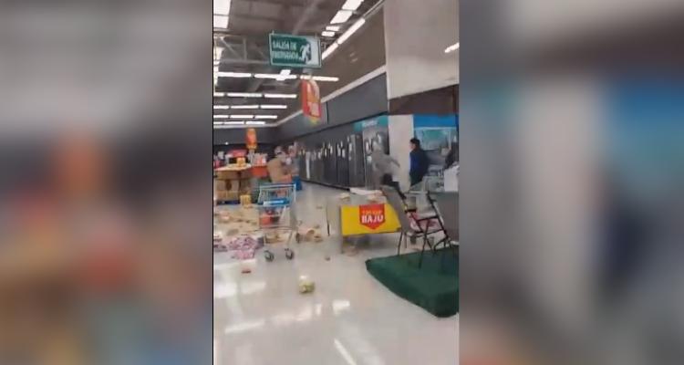 Walmart cifra en más de 60 supermercados afectados por saqueos a nivel nacional