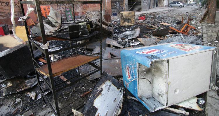 Reportan 27 saqueos, 272 detenidos, 58 Carabineros y 5 civiles lesionados durante última jornada