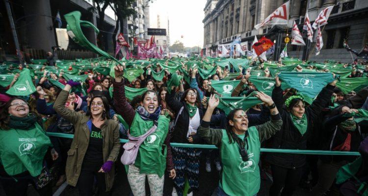 Presidente electo de Argentina confirma que impulsará proyecto de ley para el aborto libre
