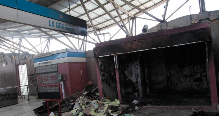Hoy formalizarán a los primeros dos detenidos por los incendios en estaciones del Metro