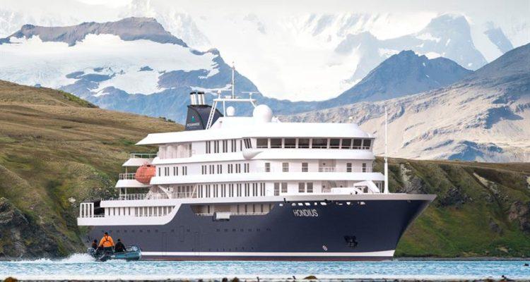 Pasaba por ahí: Hondius, el crucero holandés lleno de turistas que se sumó a búsqueda del avión FACH