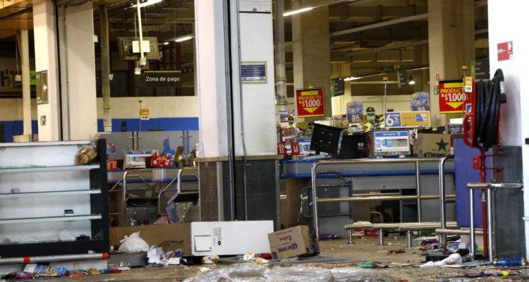 Saqueos al retail: Walmart desistió de los seis recursos de protección que presentó contra el Estado