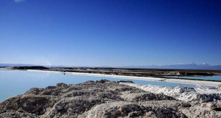 Corfo llama a productores de litio a invertir en Chile a un precio preferente