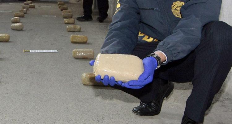 Valparaíso: incautan 106 kg de pasta base avaluada en $15 mil millones junto con fusil de guerra