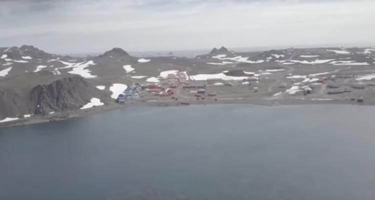 Científicos revelaron impactantes imágenes de la Antártica sin nieve, debido a altas temperaturas