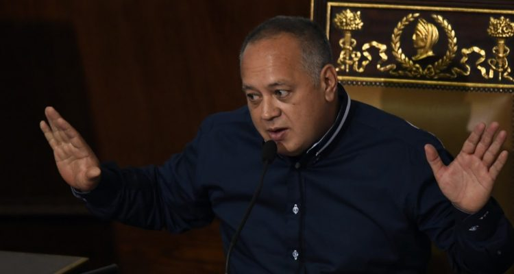 Líder chavisa Diosdado Cabello acusa a familiar de Guaidó detenido de transportar explosivos