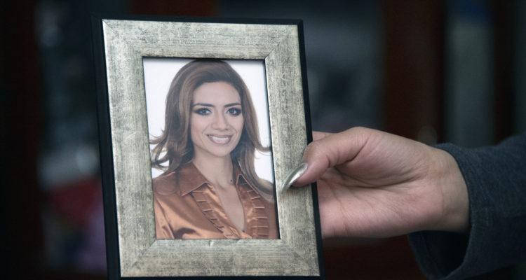 Era modelo y reina de belleza, pero lacrimógena le reventó un ojo en Ecuador: hoy cuenta su calvario