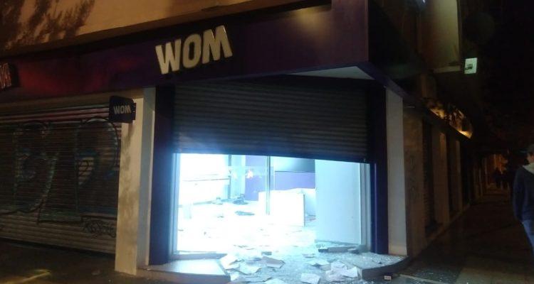 Encapuchados incendian sucursal del Banco de Chile y vandalizan locales comerciales en Viña del Mar