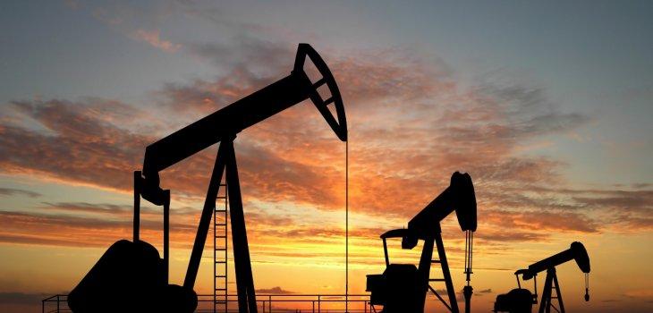 Precio del petróleo sufre mayor caída desde la Guerra del Golfo en 1991