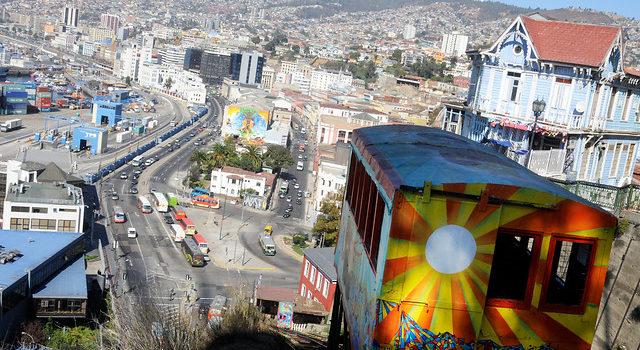 Locatarios de cerros de Valparaíso envían carta a Piñera solicitando subsidio de Trabajo