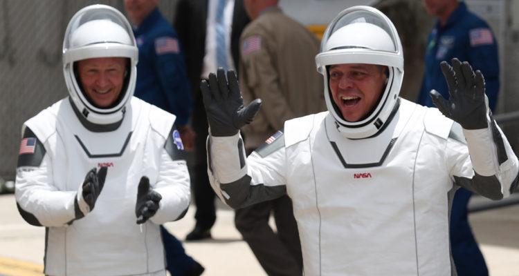 Quienes son Bob y Doug, los dos mejores amigos astronautas que este sábado viajarán al espacio
