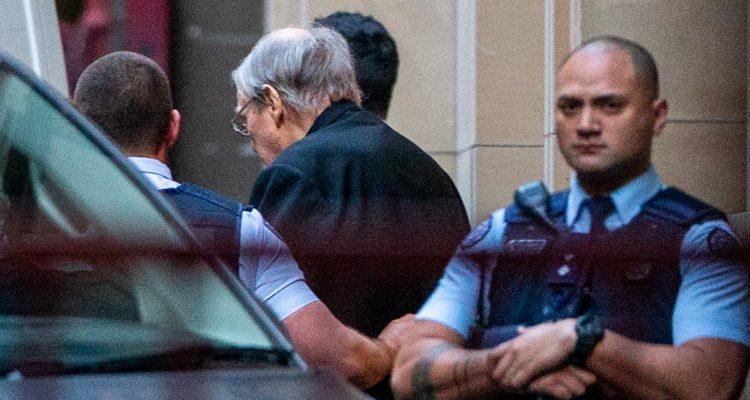 Periodistas serán juzgados en Australia por violar orden de bloqueo informativo en caso de cardenal
