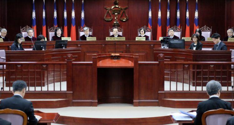 Tribunal Constitucional de Taiwán ordena despenalizar el adulterio