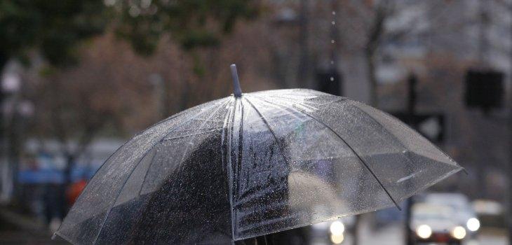 Compañías Enel y CGE activan planes preventivos ante pronóstico de lluvia, aguanieve y viento en RM