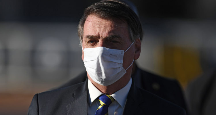 Reportan que Jair Bolsonaro tiene síntomas de Covid-19