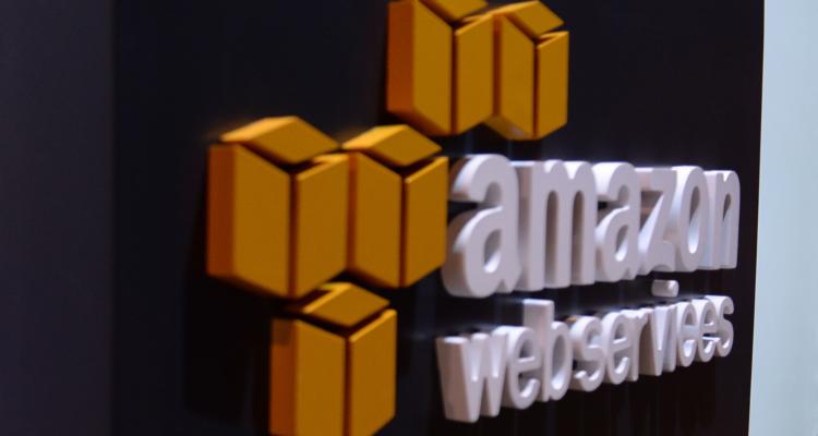 Comisaría Virtual: Amazon confirma que Gobierno recurrió a ellos para mejorar sistema de permisos