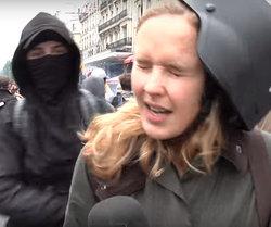 Periodista es agredida cobardemente en directo mientras cubría una manifestación en París