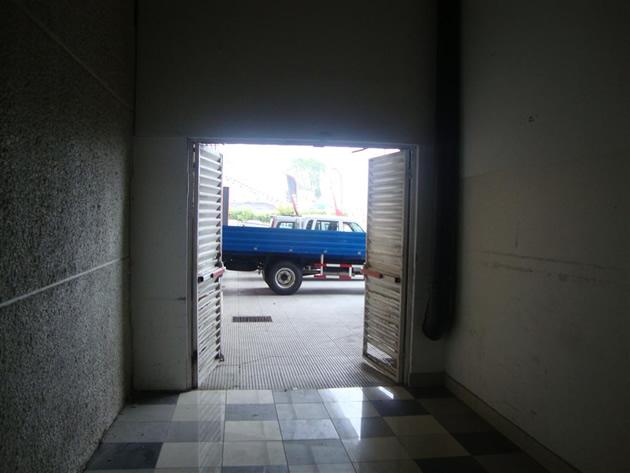Puerta de emergencia sector AutoPlaza | Mall Plaza del Trébol