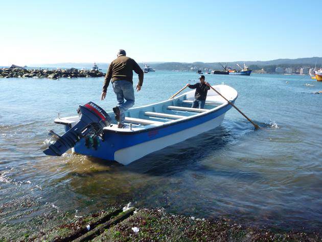 Entrega de 3 nuevos botes en Dichato y Coliumo