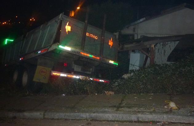 Accidente de camión en Santa Sabina | Víctor González