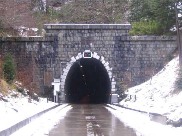 Túnel Las Raíces, puerta de entrada a Lonquimay | Edgardo Saavedra