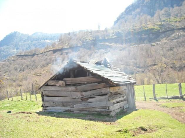 Pequeña cabaña en Icalma | Mauricio Alarcón