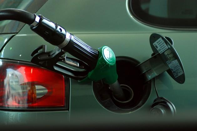 Gasolina | Cararr en Stock.Xchng