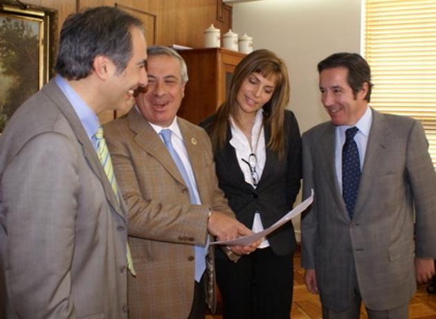 Parlamentarios y el Ministro de Salud | fotoquinta.cl