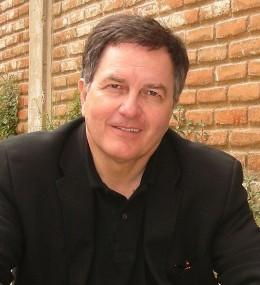 Roberto Ampuero | Wikipedia