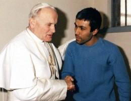 Papa Juan Pablo II y Mehmet Alí Agca