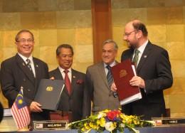 Firma de Tratado