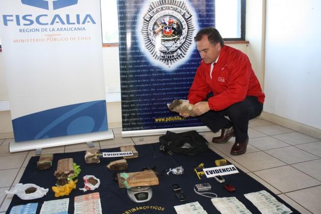 Intendente Andres Molina al visitar el cuartel de la PDI tras incautacion.