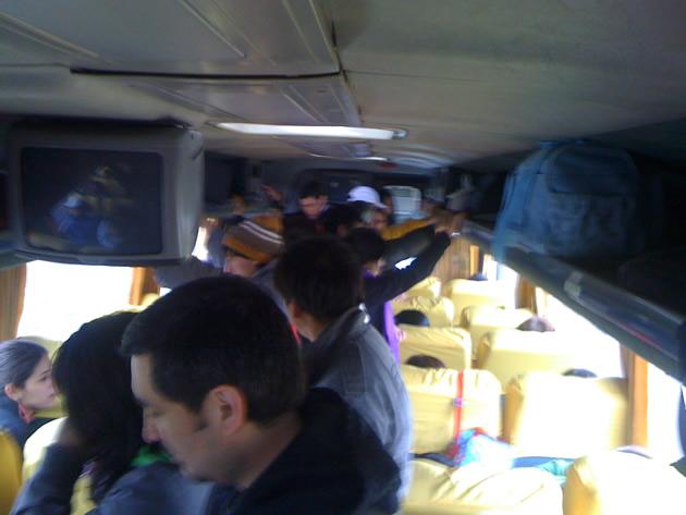 Buses Fierro en Frutillar se excede con cantidad de pasajeros de pie | José Mancilla