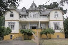 Casa Hollstein | etur.cl