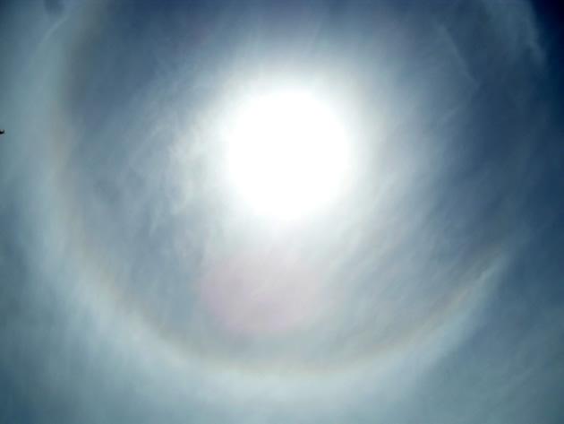 Círculo alrededor del sol en los cielos de Viña del Mar | Marlene Araya Castro