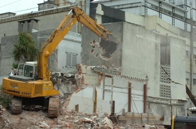 Edificio en demolición en Uruguay | Diario El País Digital