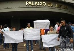 Protesta de familiares | ElUniversal.com