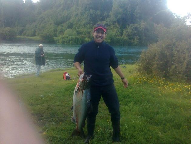 Salmón gigante capturado en el río San Pedro | Walter Douglas